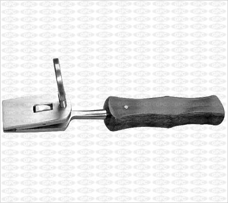 Instrument de Coventry pour insérer les agrafes