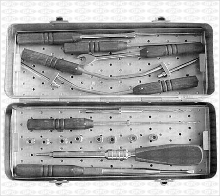 Boite D'instruments Pour Plaque De Cervicale Anterieure En Z