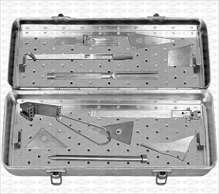 Boîte d'instruments pour lame plaque coudée