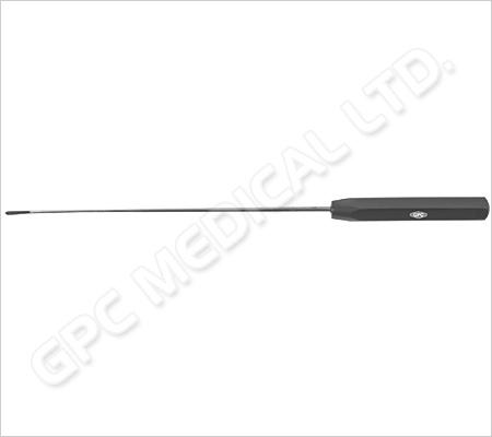 Instrument pour passer la suture, avec trou dans la pointe, tout droit, vers la gauche et vers la droite